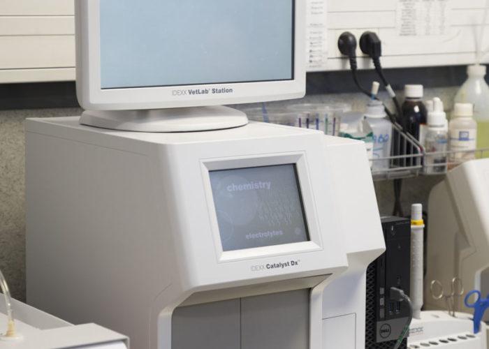 clinique-veterinaire-V24-laboratoire-neuilly